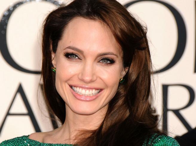 Angelina Jolie | SHEmazing! | Page 7