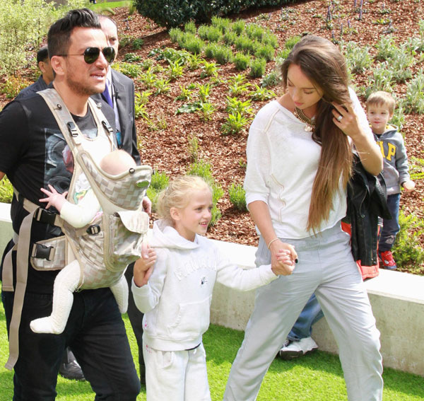 Peter Andre's New Wife Addresses Those Pregnancy Rumous