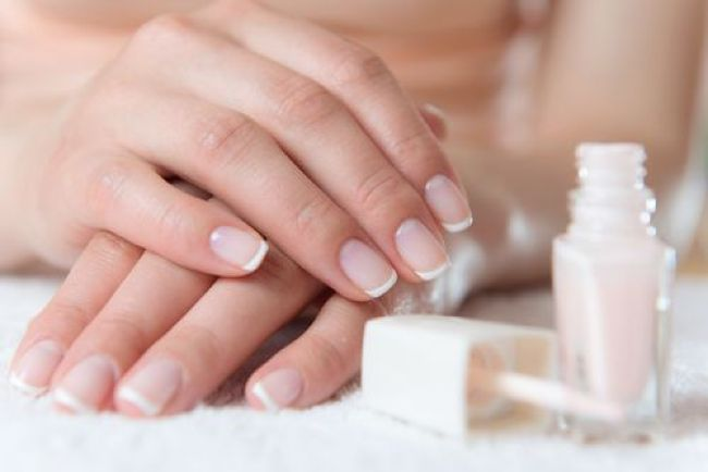how to keep your nails clean and healthy