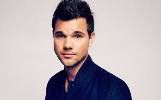 Very vampy! Taylor Lautner freaks fans with LILAC coloured ... Taylor Lautner