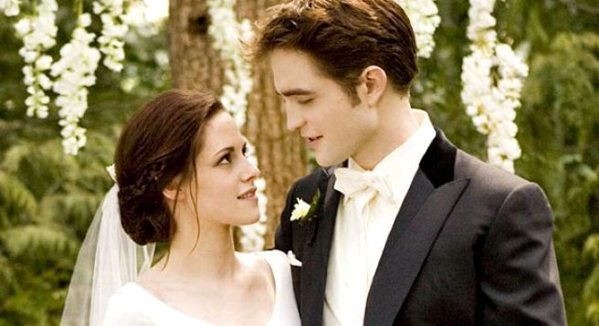 Bellas Dreamy WEDDING Dress From Twilight Is Now Up For Grabs