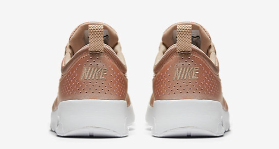 huge inventory wholesale outlet discount shop We are completely in LOVE with Nike's new ROSE-GOLD runners ...