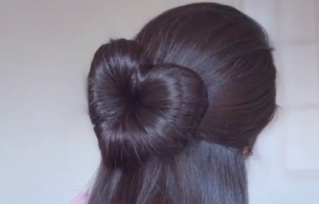 This Diy Heart Bun Hairstyle Is The Stuff Of Valentine S Day