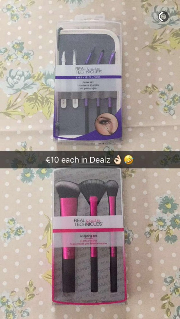 53230d37bec Drop Everything! Dealz are selling Real Techniques brush sets for ...
