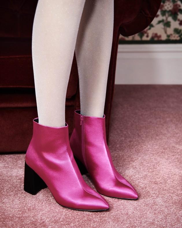 666b2af3968e Floral boots €17.00