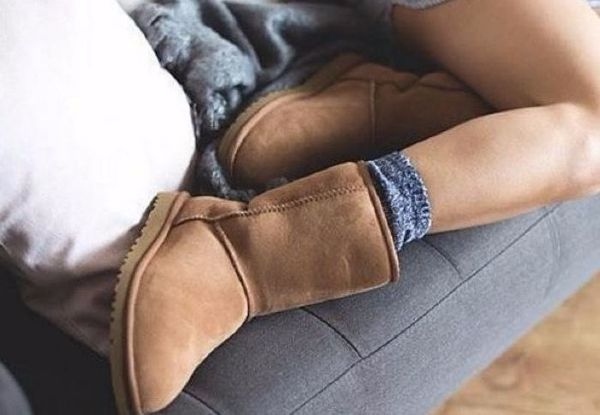 An Airline Lounge Denied This Woman Access Because She Was Wearing UGGs