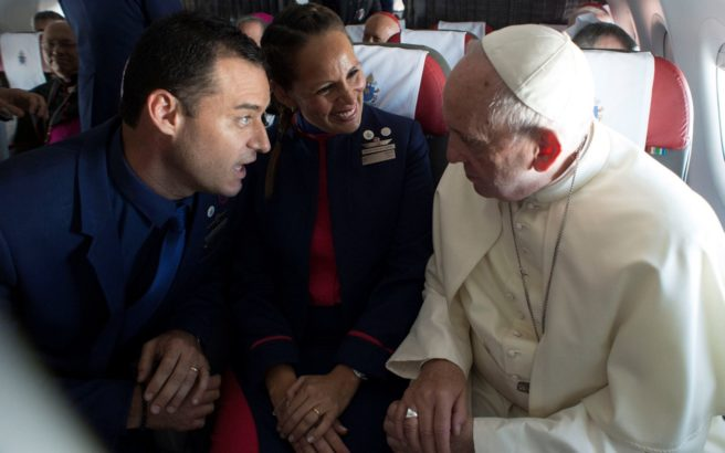 These Flight Attendants Were Spontaneously Married By Pope Francis Mid-Flight
