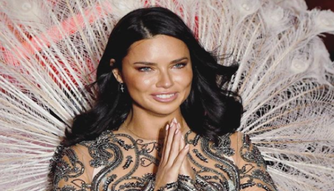 3cb05eac9 Adriana Lima bids a tearful farewell to her Victoria's Secret wings