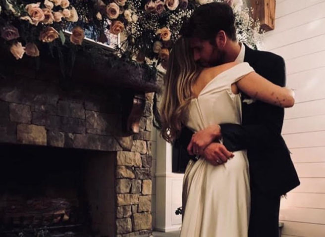 Photos miley cyrus wedding It's official!