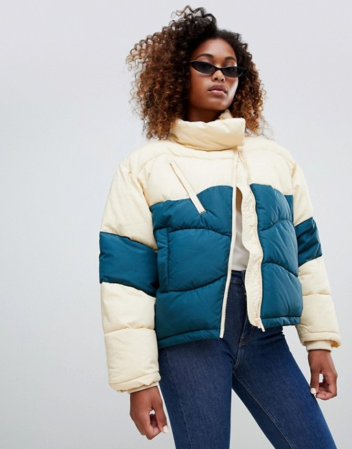 d97143dbf793 Weekday Short Colour Block Padded Jacket €110.60. Pull&Bear double breasted  ...