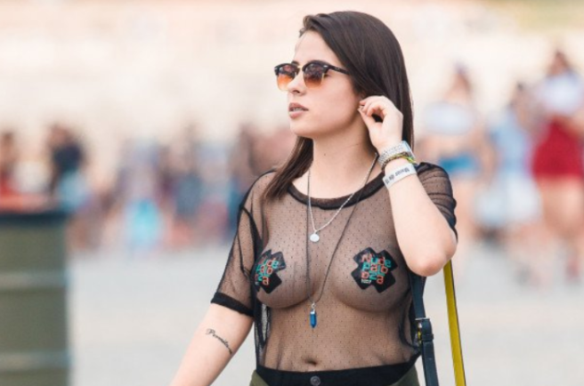 4584f25ff03 This woman's nipple tweet is causing male brains to EXPLODE