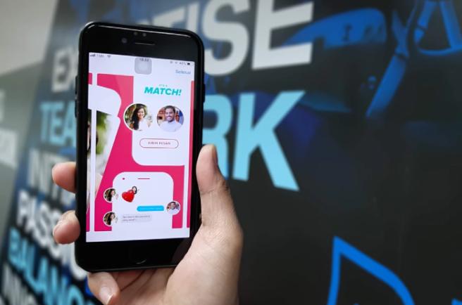 Online Chat & Dating in Clonakilty | Meet Men - Badoo
