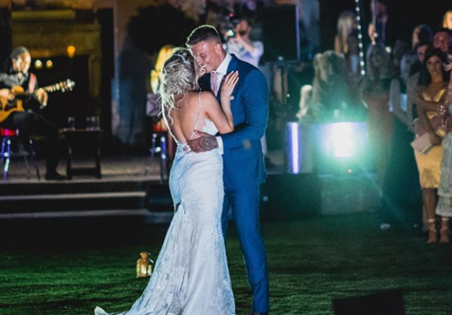 Love Island S Alex And Olivia Bowen Post Beautiful Wedding Pics Shemazing
